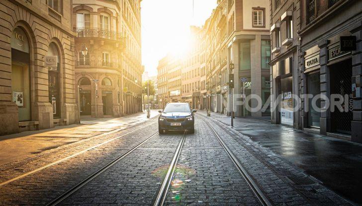 Prova su strada Skoda Kamiq: il terzo elemento della gamma SUV - Foto 9 di 39