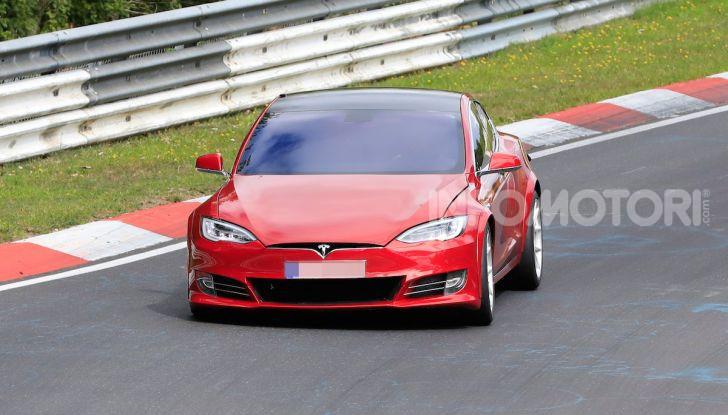 Tesla Model S al Nurburgring: battuto il record della Porsche Taycan - Foto 3 di 31