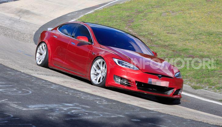 Tesla Model S al Nurburgring: battuto il record della Porsche Taycan - Foto 25 di 31
