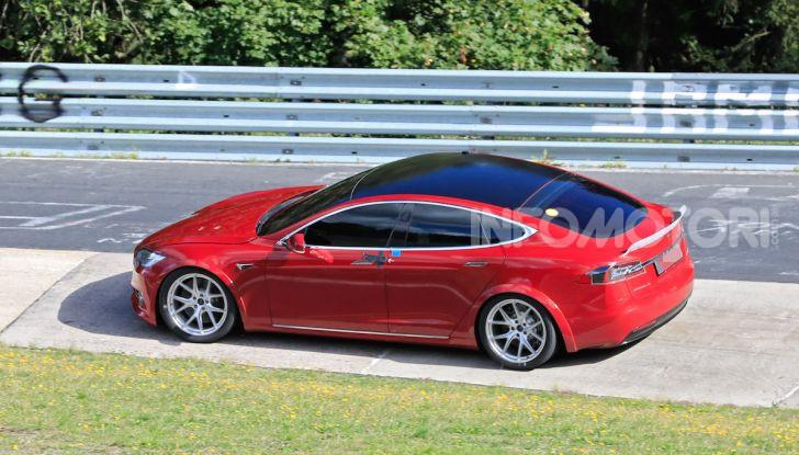 Tesla Model S al Nurburgring: battuto il record della Porsche Taycan - Foto 29 di 31
