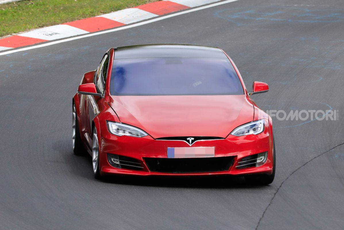 Tesla record tra le Auto elettriche al Nürburgring