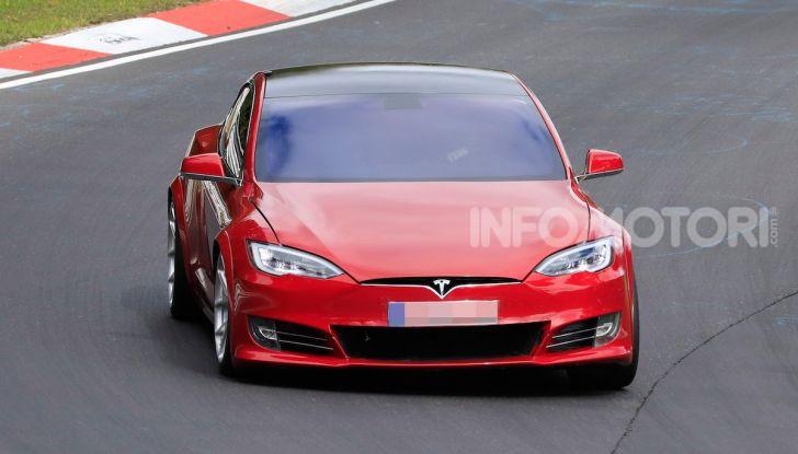 Tesla Model S al Nurburgring: battuto il record della Porsche Taycan - Foto 5 di 31