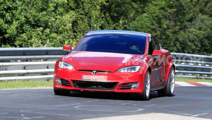 Tesla Model S al Nurburgring: battuto il record della Porsche Taycan - Foto 23 di 31