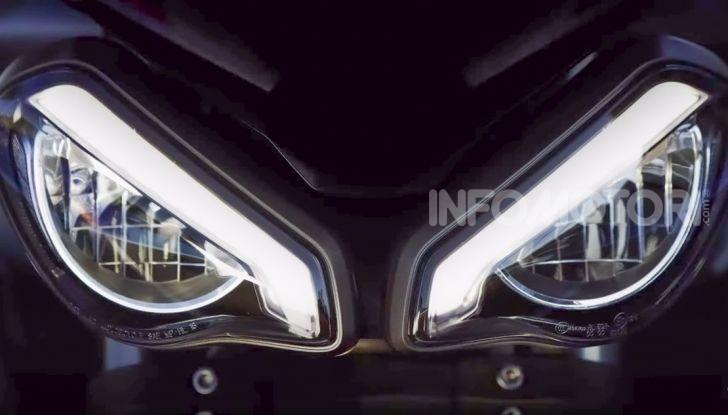 Triumph Street Triple RS 2020: più sportiva e affilata con un nuovo doppio faro - Foto 1 di 2