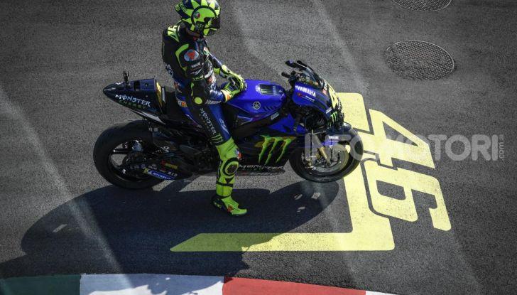 Valentino Rossi verso Misano con la sua Yamaha M1… per le strade di Tavullia! - Foto 23 di 39