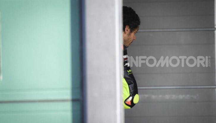 Valentino Rossi verso Misano con la sua Yamaha M1… per le strade di Tavullia! - Foto 15 di 39
