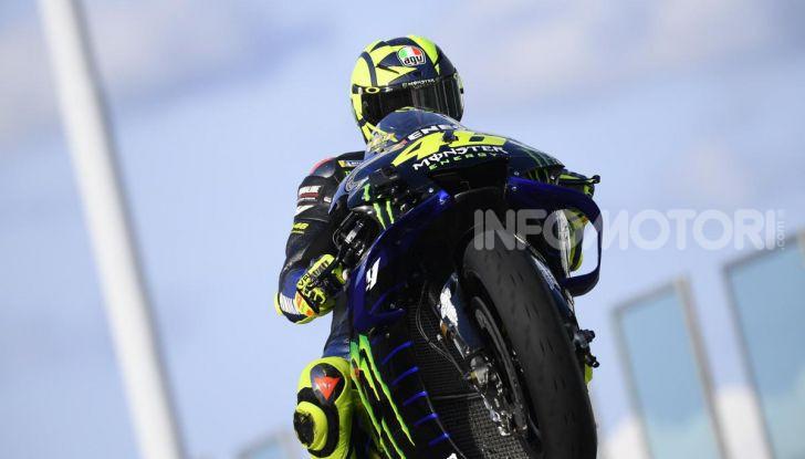 Valentino Rossi verso Misano con la sua Yamaha M1… per le strade di Tavullia! - Foto 13 di 39