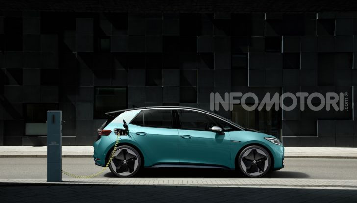Volkswagen ID.3 R, la compatta elettrica dalle alte prestazioni - Foto 29 di 47