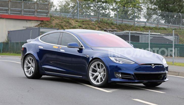 Tesla Model S al Nurburgring: battuto il record della Porsche Taycan - Foto 2 di 31
