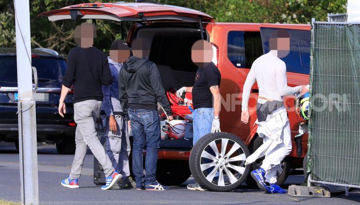 Tesla Model S al Nurburgring per battere il record della Porsche Taycan - Foto 11 di 35