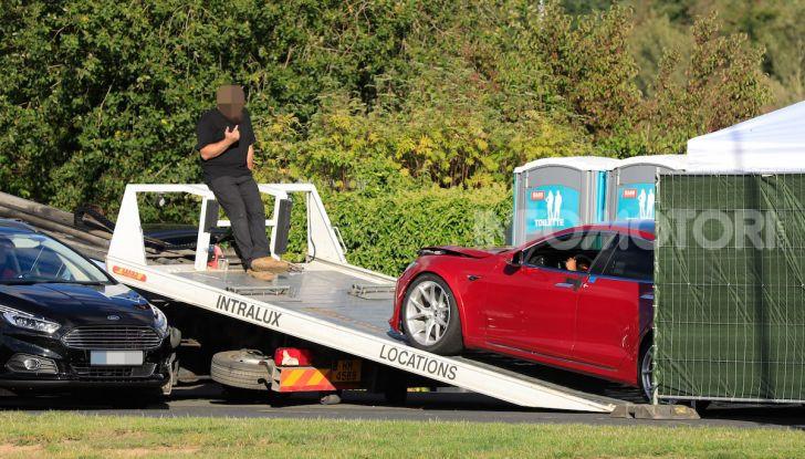 Tesla Model S al Nurburgring: battuto il record della Porsche Taycan - Foto 15 di 31