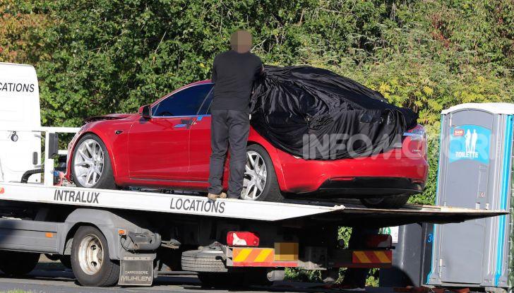 Tesla Model S al Nurburgring: battuto il record della Porsche Taycan - Foto 26 di 31