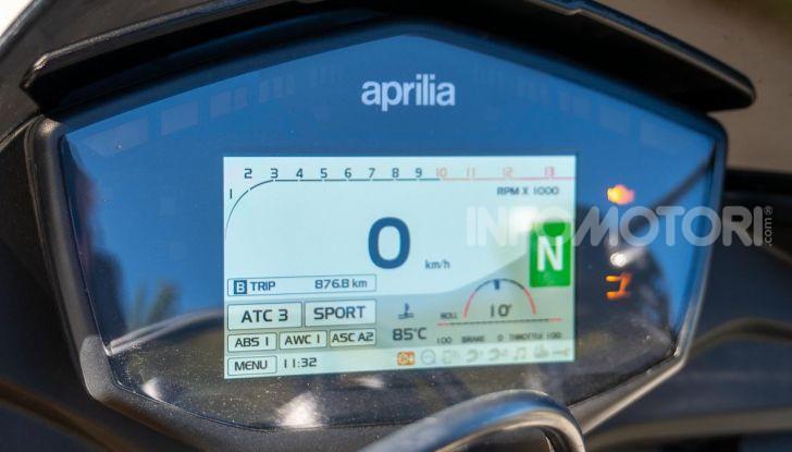 Aprilia Tuono V4 1100 Factory: hypernaked alla portata di tutti - Foto 7 di 32