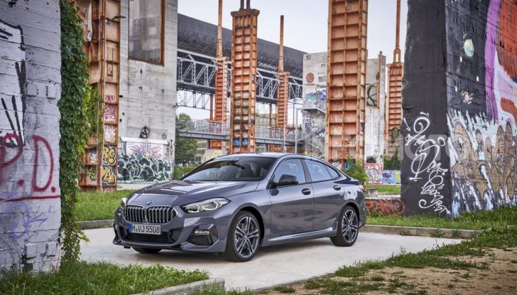 BMW Serie 2 Grand Coupé 2020, trazione anteriore e nuovo stile - Foto 1 di 49