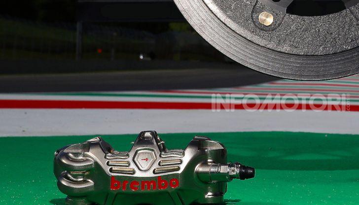 Tra dischi e pastiglie: un viaggio nel mondo dei freni nella fabbrica Racing di Brembo - Foto 22 di 36