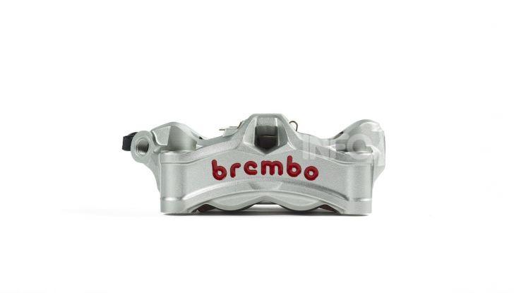Tra dischi e pastiglie: un viaggio nel mondo dei freni nella fabbrica Racing di Brembo - Foto 5 di 36