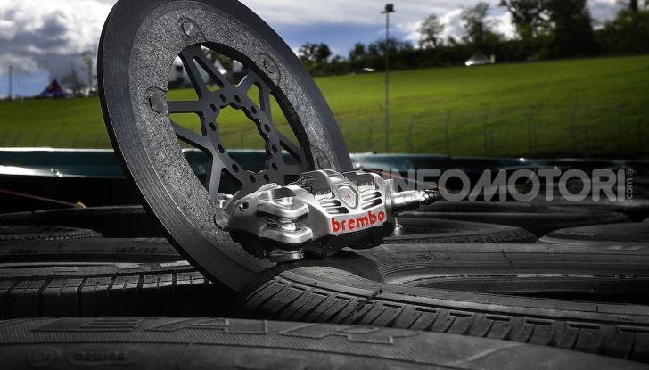 Tra dischi e pastiglie: un viaggio nel mondo dei freni nella fabbrica Racing di Brembo - Foto 7 di 36