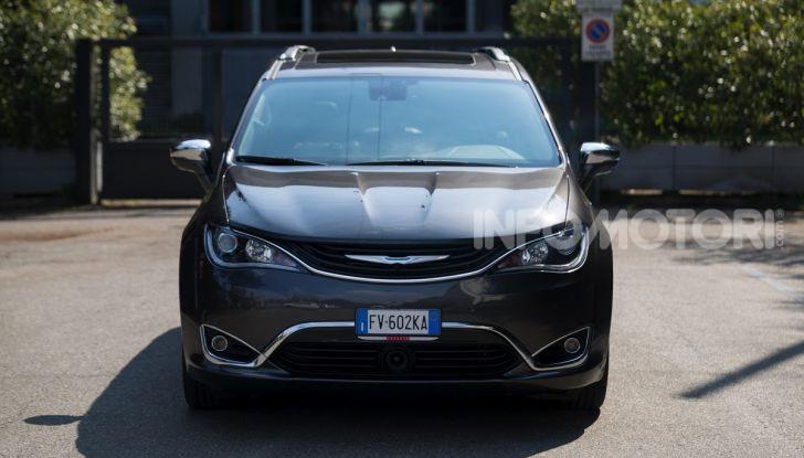 [VIDEO] Prova Chrysler Pacifica Ibrida Plug-In: born in the USA! - Foto 2 di 29