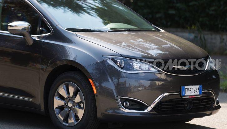 [VIDEO] Prova Chrysler Pacifica Ibrida Plug-In: born in the USA! - Foto 4 di 29