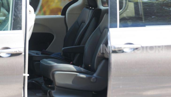 [VIDEO] Prova Chrysler Pacifica Ibrida Plug-In: born in the USA! - Foto 29 di 29