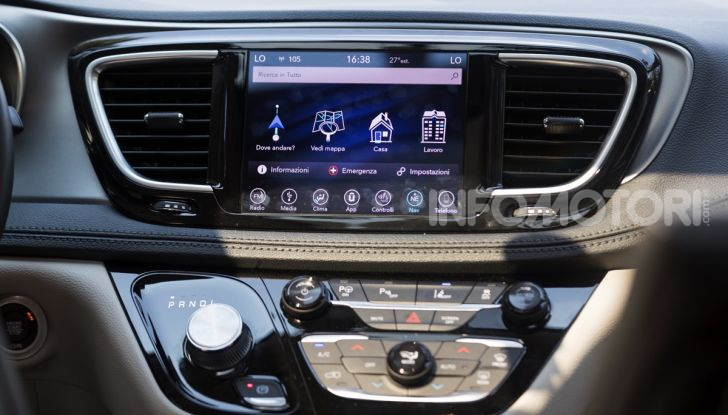 [VIDEO] Prova Chrysler Pacifica Ibrida Plug-In: born in the USA! - Foto 6 di 29
