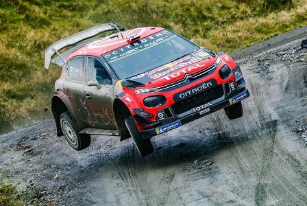 WRC GRAN BRETAGNA GIORNATA 2: CITROËN SUL PODIO CON OGIER-INGRASSIA - Foto 1 di 4