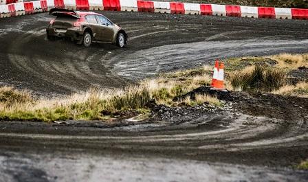 WRC GRAN BRETAGNA GIORNATA 2: CITROËN SUL PODIO CON OGIER-INGRASSIA - Foto 3 di 4