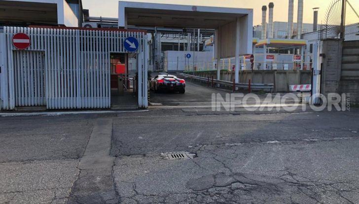 La Ferrari 488 Hybrid 2019 debutta a Maranello: 1.000CV di potenza ibrida - Foto 4 di 5