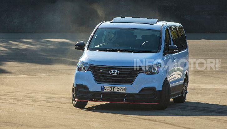 [VIDEO] Hyundai iMax N: il Van da 402CV e trazione posteriore - Foto 8 di 12