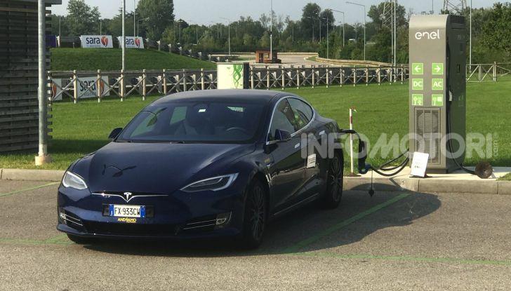 [VIDEO] Tesla Model S vs Tesla Model 3, il confronto: quale comprare? - Foto 12 di 14