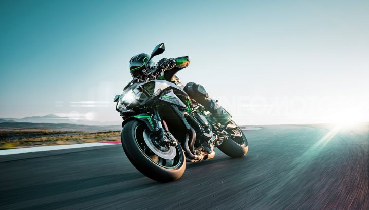 [VIDEO] Kawasaki Z H2: la Naked col Turbo ha 200CV! - Foto 2 di 14