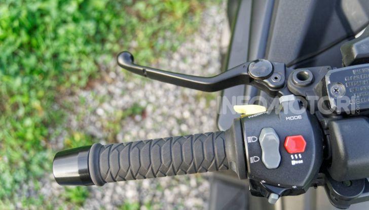 """Prova Kymco AK550, l'unico vero """"anti TMAX"""" - Foto 10 di 54"""