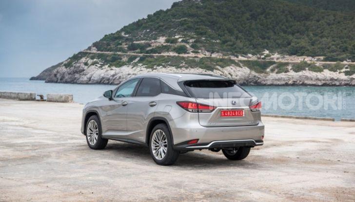 Lexus RX Hybrid MY 2020: muscoli, tecnologia ed eleganza - Foto 12 di 25