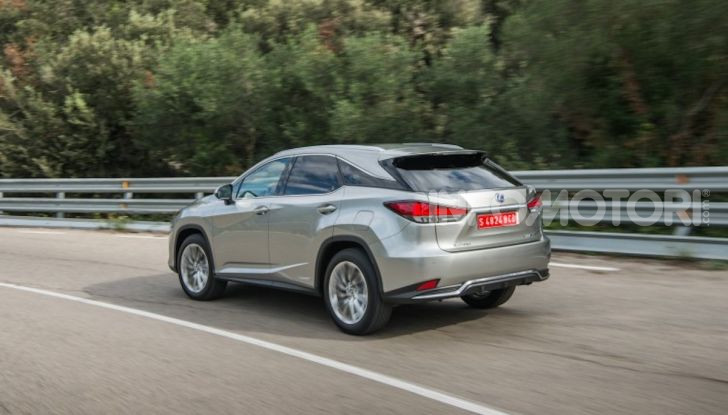 Lexus RX Hybrid MY 2020: muscoli, tecnologia ed eleganza - Foto 13 di 25