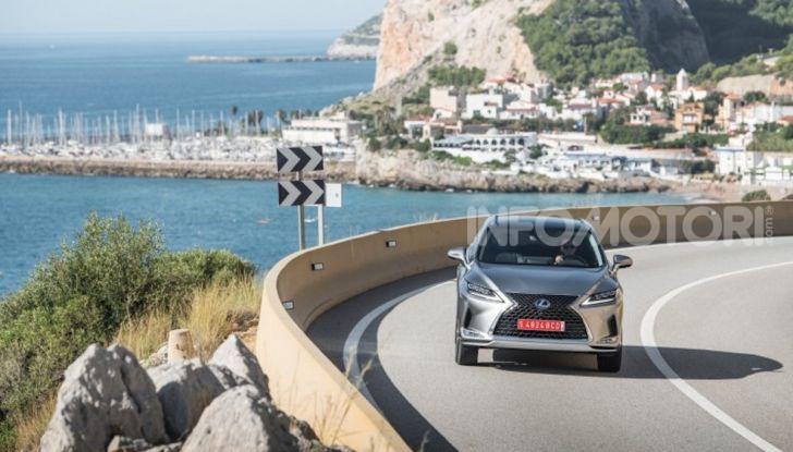 Lexus RX Hybrid MY 2020: muscoli, tecnologia ed eleganza - Foto 16 di 25