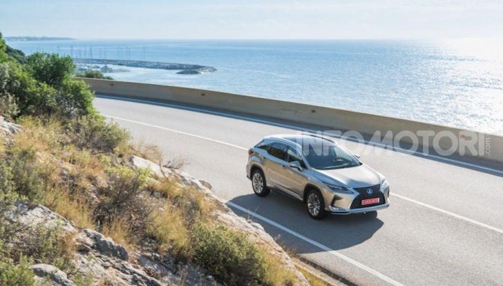Lexus RX Hybrid MY 2020: muscoli, tecnologia ed eleganza - Foto 17 di 25