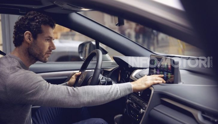 Lexus RX Hybrid MY 2020: muscoli, tecnologia ed eleganza - Foto 24 di 25