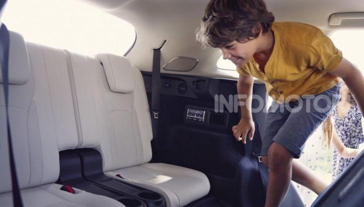 Lexus RX Hybrid MY 2020: muscoli, tecnologia ed eleganza - Foto 3 di 25
