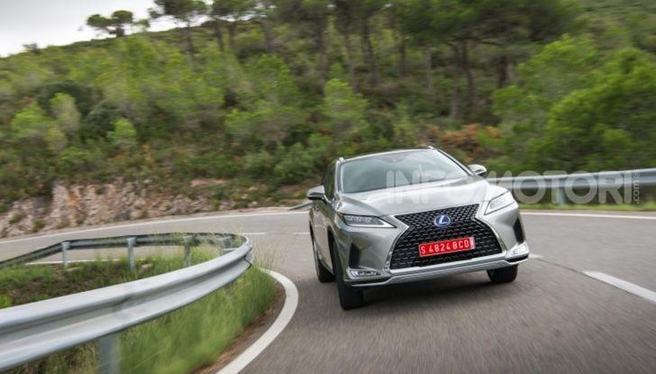 Lexus RX Hybrid MY 2020: muscoli, tecnologia ed eleganza - Foto 7 di 25
