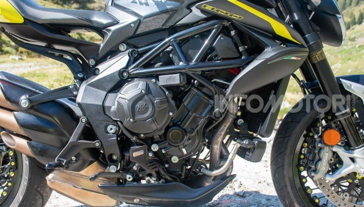 Prova MV Agusta Dragster 800 RR 2019: arte in movimento - Foto 15 di 47
