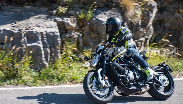 Prova MV Agusta Dragster 800 RR 2019: arte in movimento - Foto 41 di 47