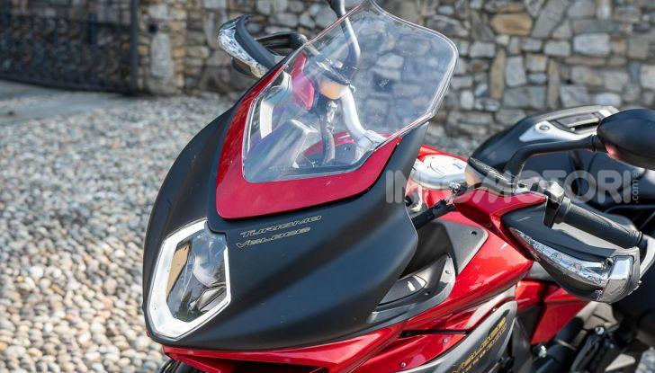 MV Agusta Turismo Veloce Lusso SCS, affilata come una Brutale, comoda come uno scooter - Foto 27 di 58