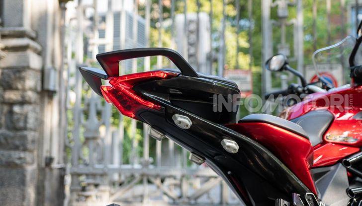 MV Agusta Turismo Veloce Lusso SCS, affilata come una Brutale, comoda come uno scooter - Foto 34 di 58