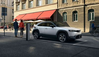 Mazda MX-30: l'auto elettrica con materiali ecologici