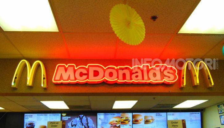 McCharge: da McDonald's arrivano le colonnine per auto elettriche - Foto 7 di 10