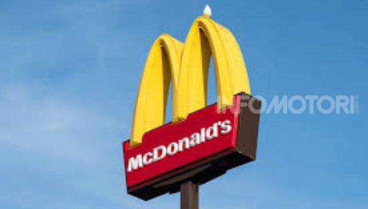 McCharge: da McDonald's arrivano le colonnine per auto elettriche - Foto 8 di 10