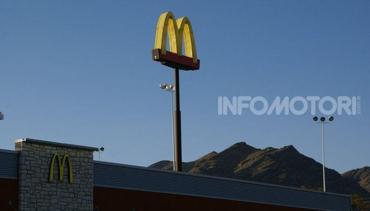 McCharge: da McDonald's arrivano le colonnine per auto elettriche - Foto 9 di 10