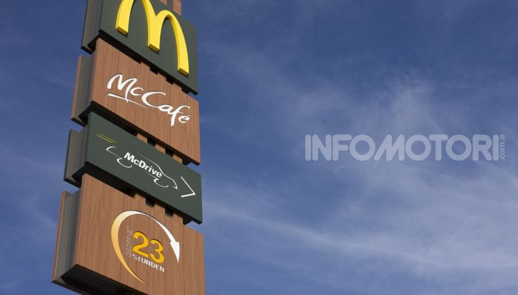 McCharge: da McDonald's arrivano le colonnine per auto elettriche - Foto 10 di 10