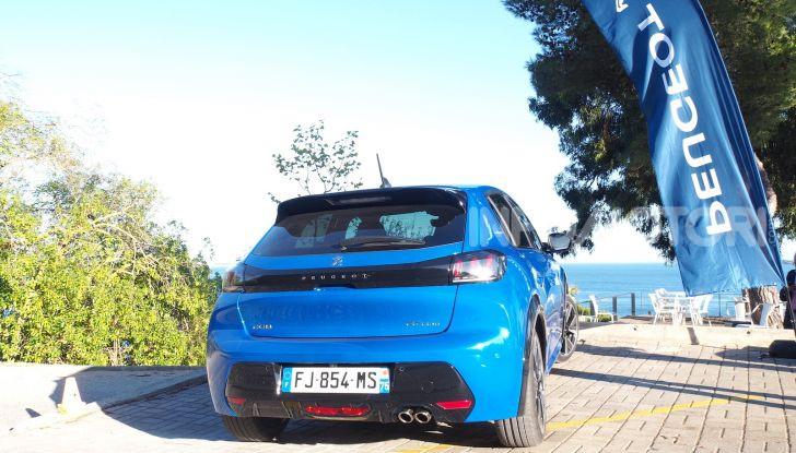 Nuova Peugeot 208: motori, prezzi e impressioni di guida - Foto 8 di 12