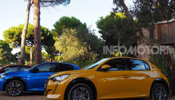 Nuova Peugeot 208: motori, prezzi e impressioni di guida - Foto 11 di 12